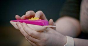 Reino Unido cria primeiro teste rápido de gravidez para mulheres com deficiência visual