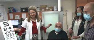 Idoso cego recupera visão com primeiro transplante de córnea artificial do mundo